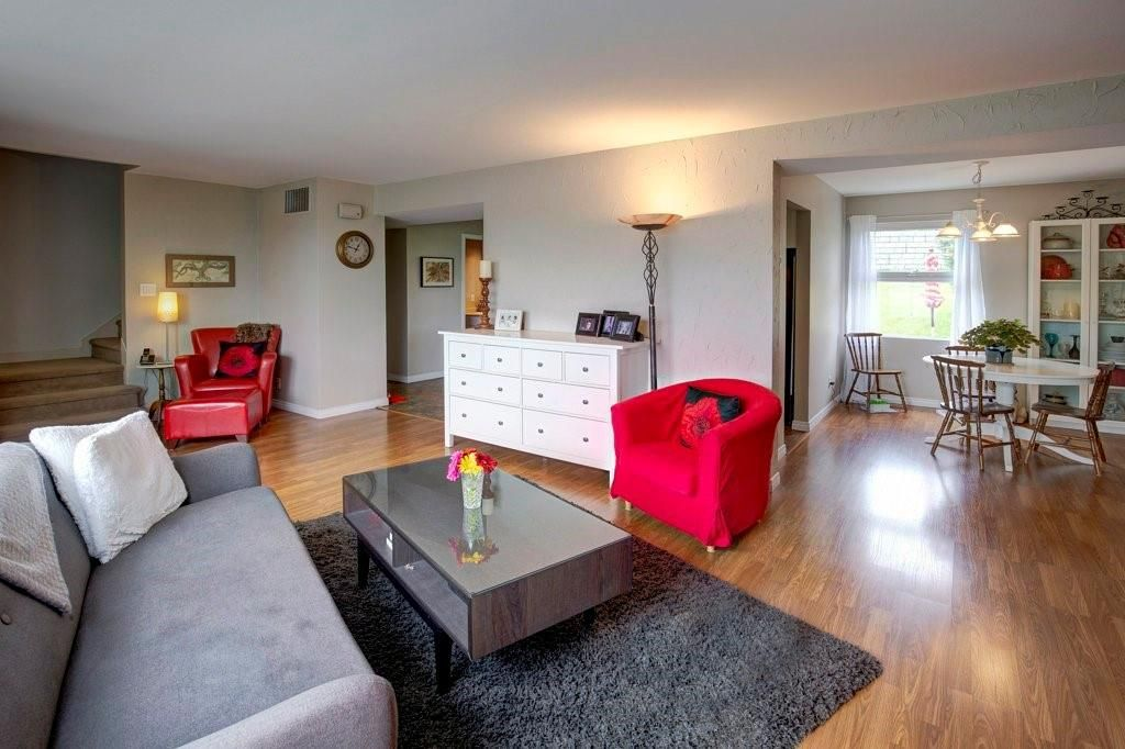 Photo 4: Photos: 615 Merrill Drive NE in Calgary: Winston Heights/Mountview Row/Townhouse for sale : MLS®# C4301720