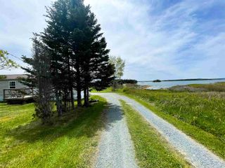Photo 4: 1898 Ostrea Lake Road in Musquodoboit Harbour: 35-Halifax County East Residential for sale (Halifax-Dartmouth)  : MLS®# 202113845
