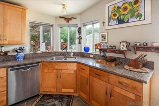 Photo 7: RAMONA House for sale : 3 bedrooms : 532 Pile St