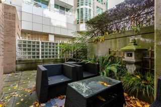 """Photo 13: TH16 1501 HOWE Street in Vancouver: Yaletown Townhouse for sale in """"OCEAN TOWER AT 888 BEACH"""" (Vancouver West)  : MLS®# R2528956"""