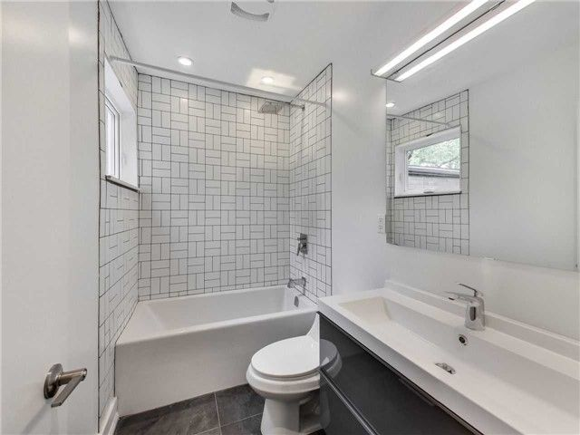 Photo 15: Photos: 601 C Pape Avenue in Toronto: South Riverdale House (2 1/2 Storey) for lease (Toronto E01)  : MLS®# E4139176