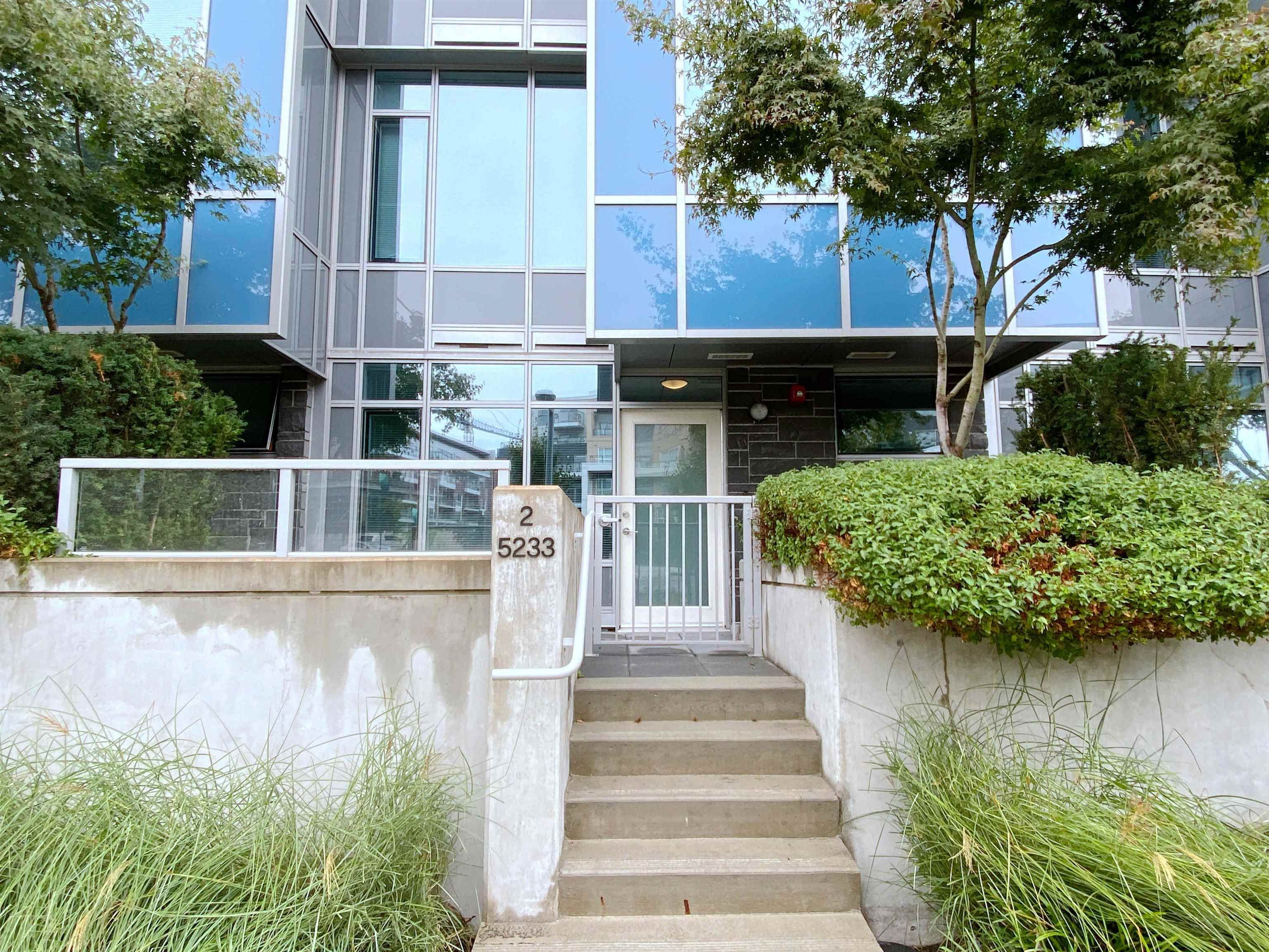 """Main Photo: 2 5233 GILBERT Road in Richmond: Brighouse Townhouse for sale in """"RIVER PARK PLACE I"""" : MLS®# R2614712"""