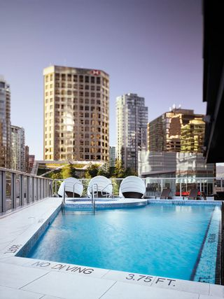 """Photo 20: 2207 1111 ALBERNI Street in Vancouver: West End VW Condo for sale in """"Shangri-La"""" (Vancouver West)  : MLS®# R2335303"""