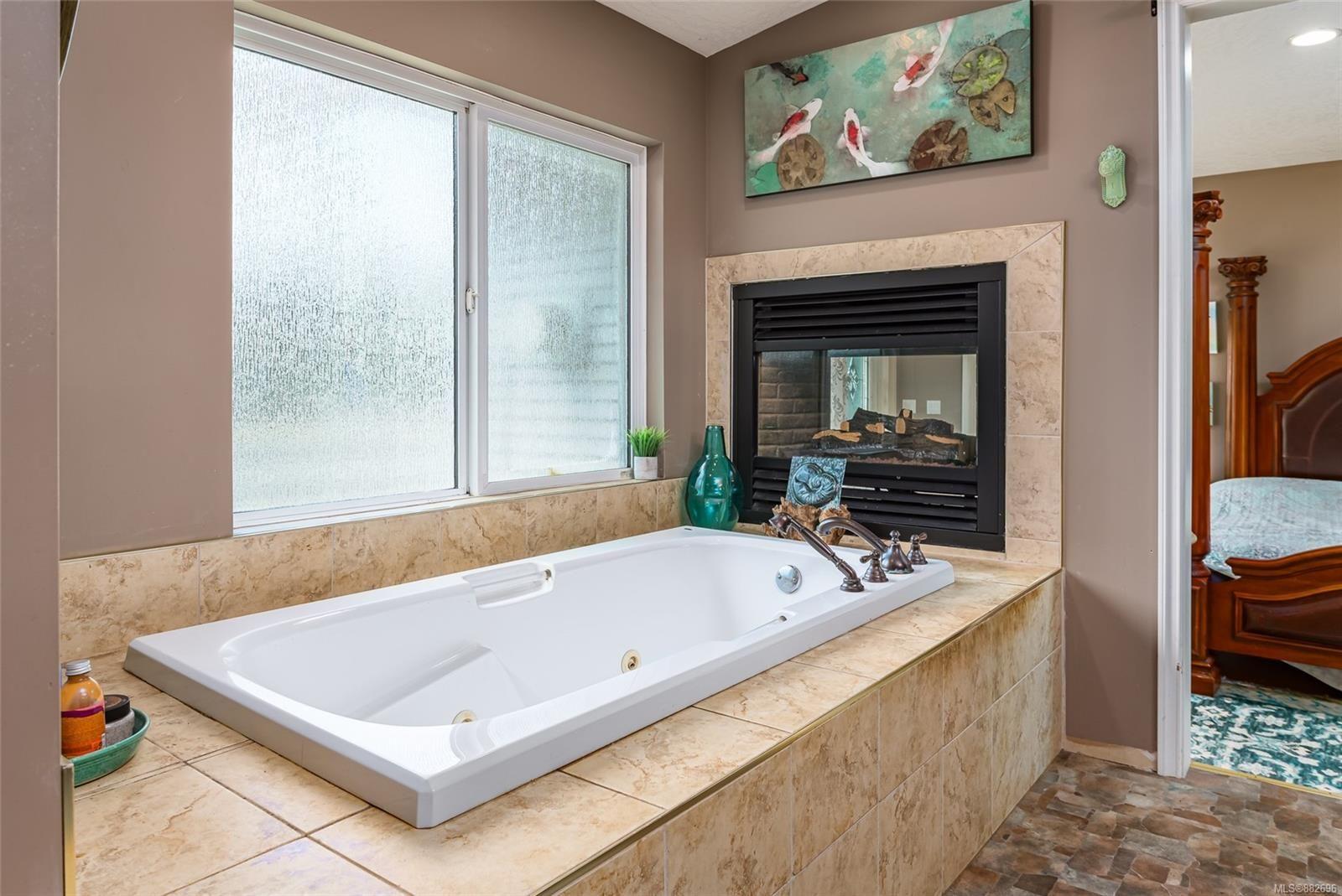 Photo 18: Photos: 3554 MacAulay Rd in : CV Merville Black Creek House for sale (Comox Valley)  : MLS®# 882696