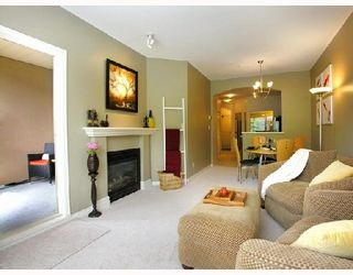 Photo 3: 210 2175 SALAL Drive in Vancouver: Kitsilano Condo for sale (Vancouver West)  : MLS®# V717519