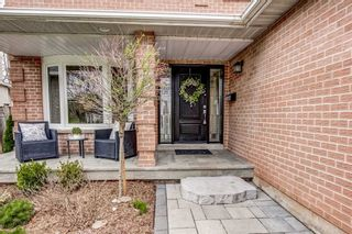 Photo 2: 3077 Swansea Drive in Oakville: Bronte West House (2-Storey) for lease : MLS®# W5281335