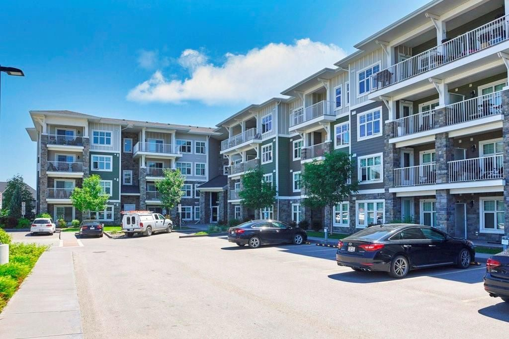 Main Photo: 2206 11 MAHOGANY Row SE in Calgary: Mahogany Apartment for sale : MLS®# C4306416