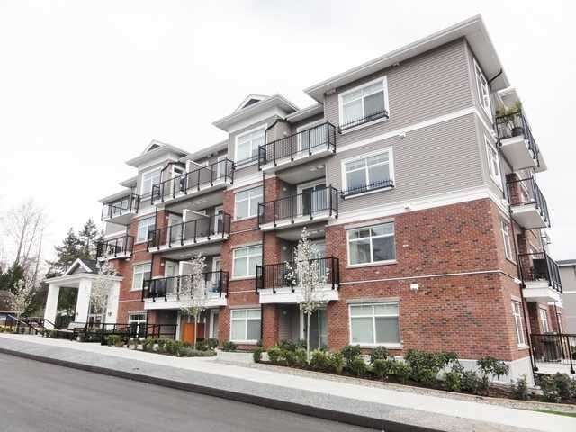 Main Photo: 309 6480 195A Street in Cloverdale: Clayton Condo for sale : MLS®# F1435136