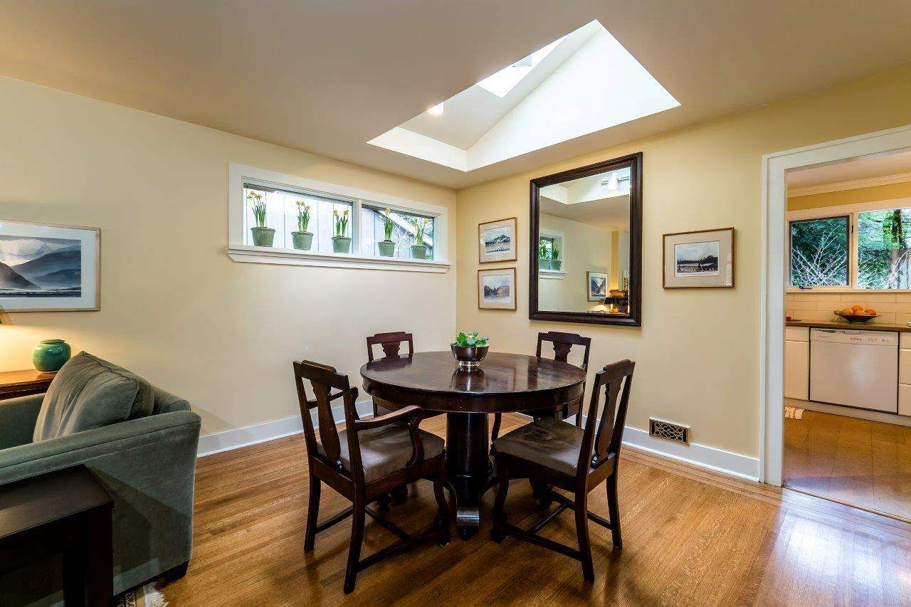 Photo 9: Photos: 3322 WAYNE Drive in North Vancouver: Delbrook House for sale : MLS®# R2045446