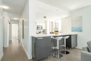 """Photo 7: 901 1405 W 12TH Avenue in Vancouver: Fairview VW Condo for sale in """"THE WARRENTON"""" (Vancouver West)  : MLS®# R2053078"""