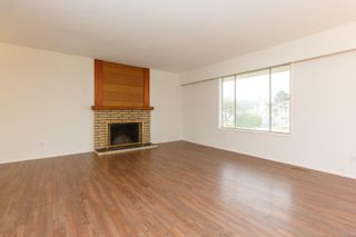 Photo 3: 1812 Laval Ave in : SE Gordon Head House for sale (Saanich East)  : MLS®# 857548