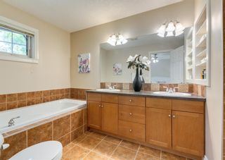 Photo 18: 1 2326 2 Avenue NW in Calgary: West Hillhurst Row/Townhouse for sale : MLS®# A1121614
