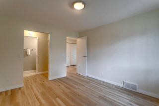 Photo 15: 11624 Oakfield Drive SW in Calgary: Cedarbrae Row/Townhouse for sale : MLS®# A1104989