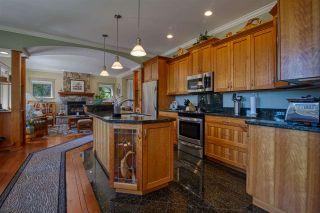 Photo 2: 6416 MARMOT Road in Sechelt: Sechelt District House for sale (Sunshine Coast)  : MLS®# R2479817