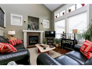 Photo 3: 19039 69A Avenue in Surrey: Clayton House for sale (Cloverdale)  : MLS®# F1412042
