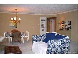 Photo 3:  in VICTORIA: SE Quadra Condo for sale (Saanich East)  : MLS®# 397191