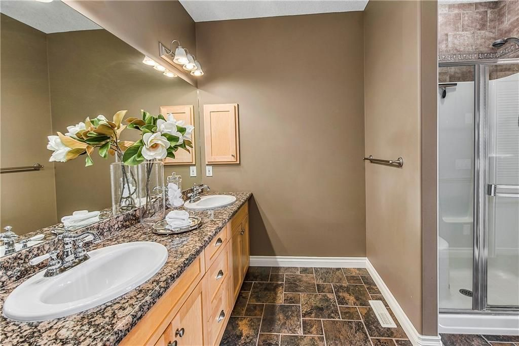 Photo 26: Photos: 73 DISCOVERY WOODS Villa SW in Calgary: Discovery Ridge Semi Detached for sale : MLS®# C4218779