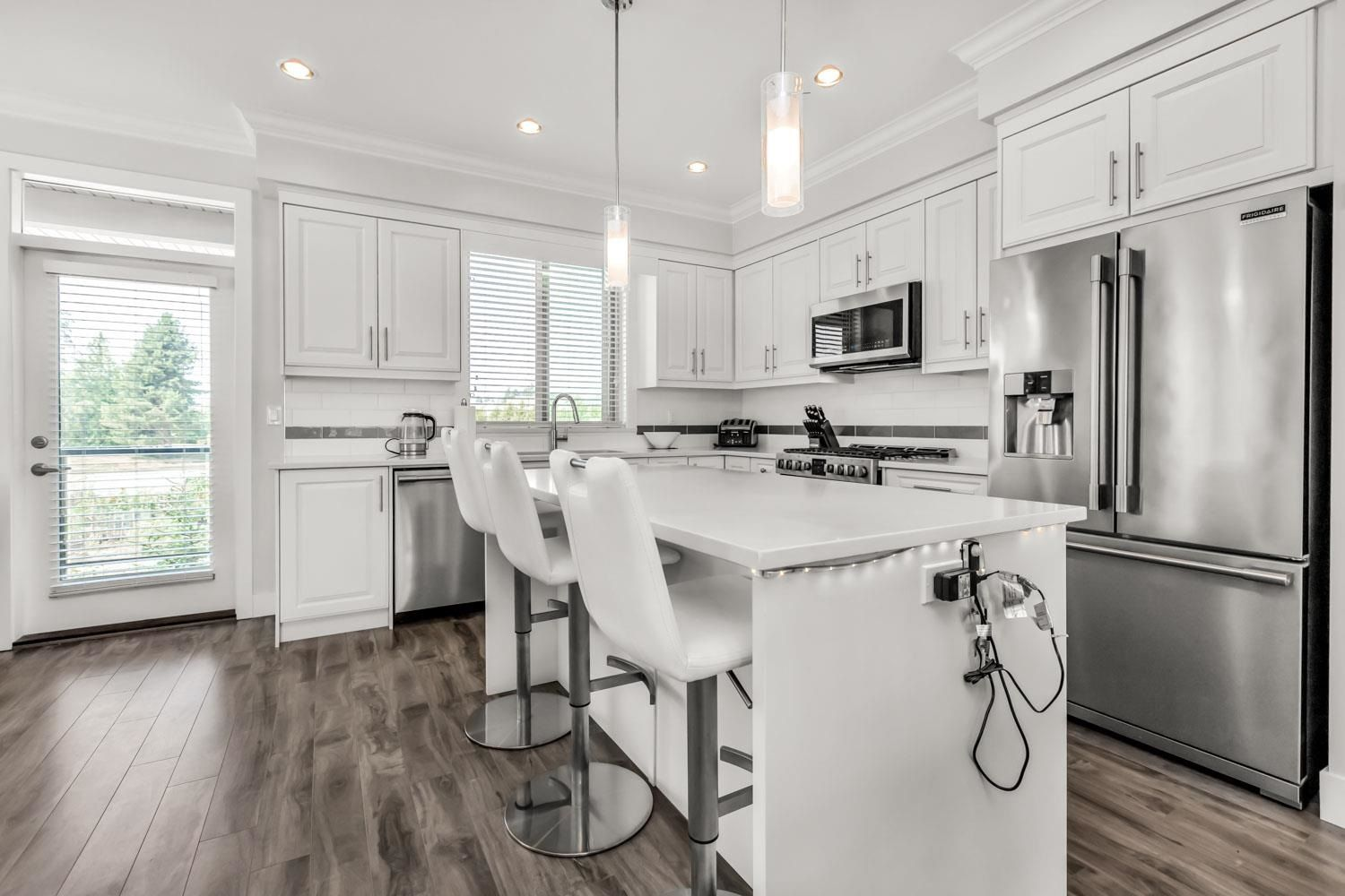 Photo 2: Photos: 98 19913 70 Avenue in Langley: Willoughby Heights Townhouse for sale : MLS®# R2606437