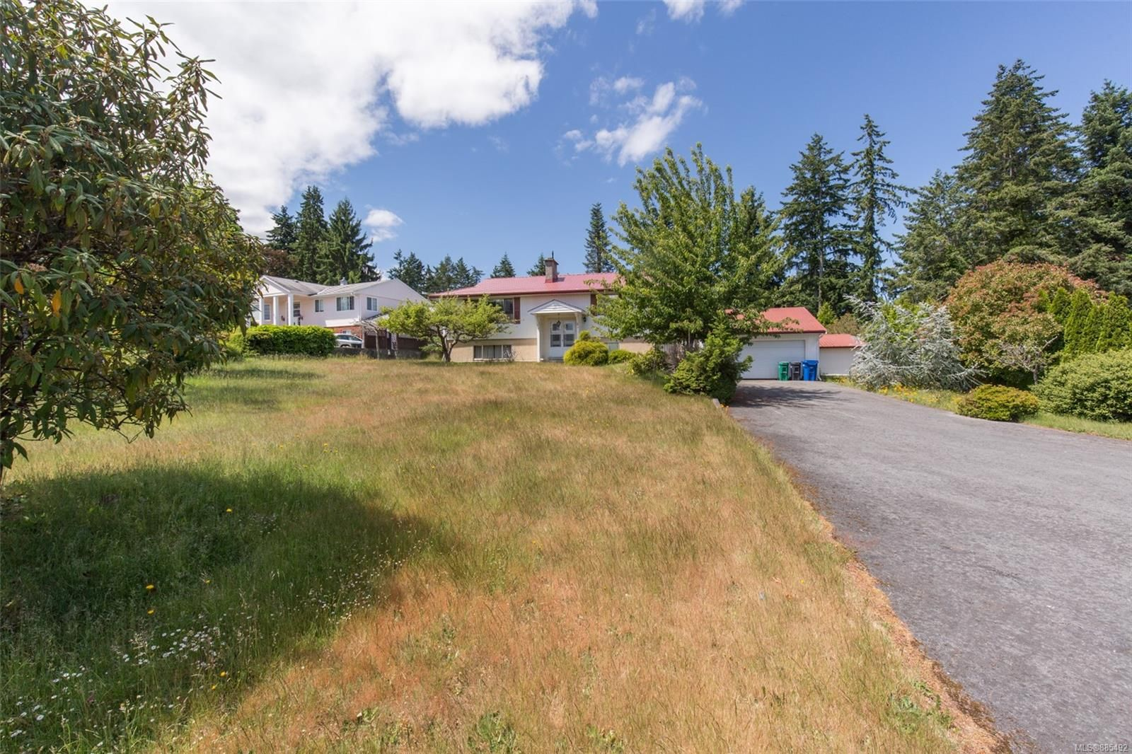 Main Photo: 207 Cilaire Dr in Nanaimo: Na Departure Bay House for sale : MLS®# 885492