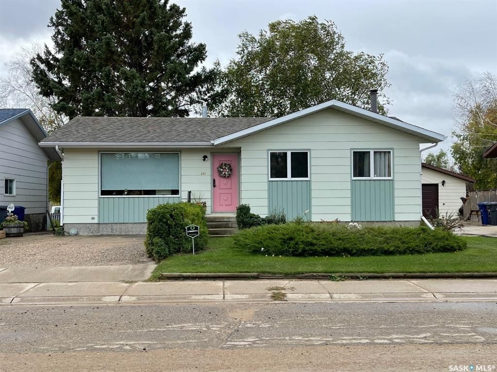 Main Photo: 232 Third Avenue West in Spiritwood: Residential for sale : MLS®# SK873882