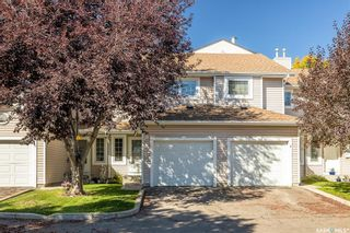 Photo 1: 4 215 Pinehouse Drive in Saskatoon: Lawson Heights Residential for sale : MLS®# SK870011