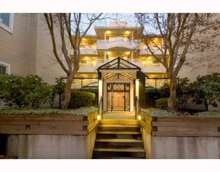 """Photo 2: 305 7520 COLUMBIA Street in Vancouver: Marpole Condo for sale in """"SPRINGS AT LANGARA"""" (Vancouver West)  : MLS®# V774014"""