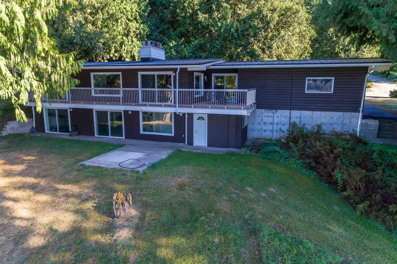 """Photo 5: Photos: 42737 OLD ORCHARD Road in Chilliwack: Chilliwack Mountain House for sale in """"Chilliwack Mountain"""" : MLS®# R2201950"""