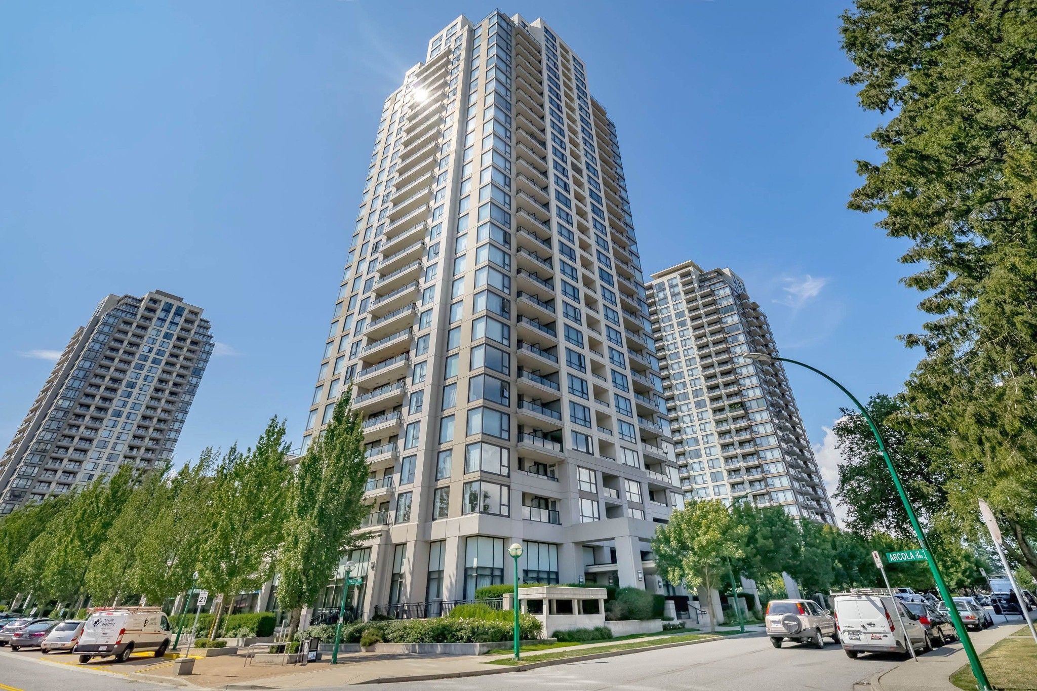 """Main Photo: 206 7063 HALL Avenue in Burnaby: Highgate Condo for sale in """"EMERSON at Highgate Village"""" (Burnaby South)  : MLS®# R2389520"""