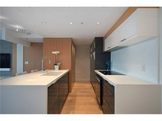 """Photo 12: 1203 918 COOPERAGE Way in Vancouver: Yaletown Condo for sale in """"THE MARINER"""" (Vancouver West)  : MLS®# V1048985"""
