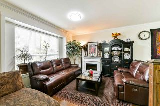 Photo 3: 8 9077 150 STREET in Surrey: Bear Creek Green Timbers Townhouse for sale : MLS®# R2355440