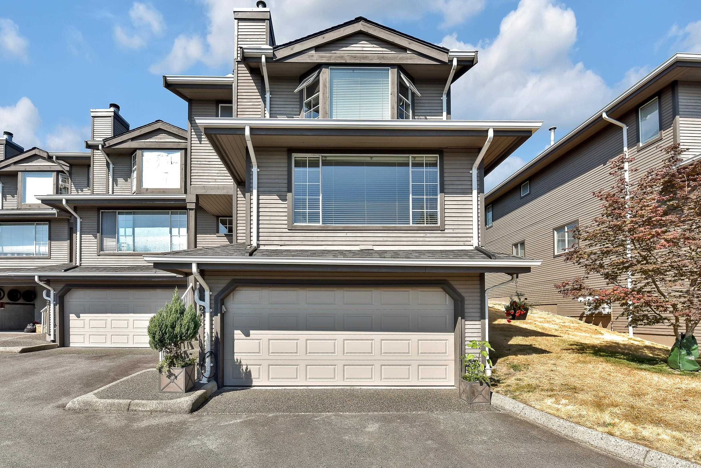"""Photo 2: Photos: 208 1140 CASTLE Crescent in Port Coquitlam: Citadel PQ Townhouse for sale in """"THE UPLANDS"""" : MLS®# R2609078"""