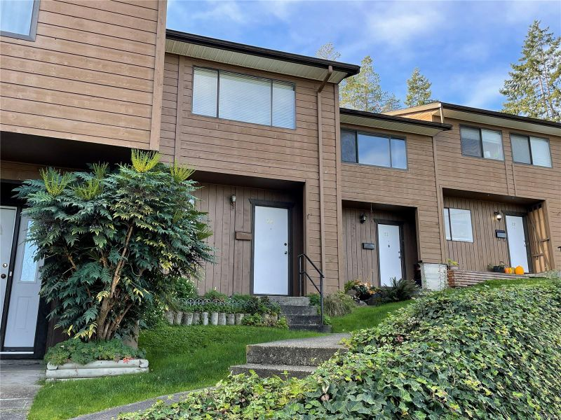 FEATURED LISTING: 20 - 855 Howard Ave Nanaimo