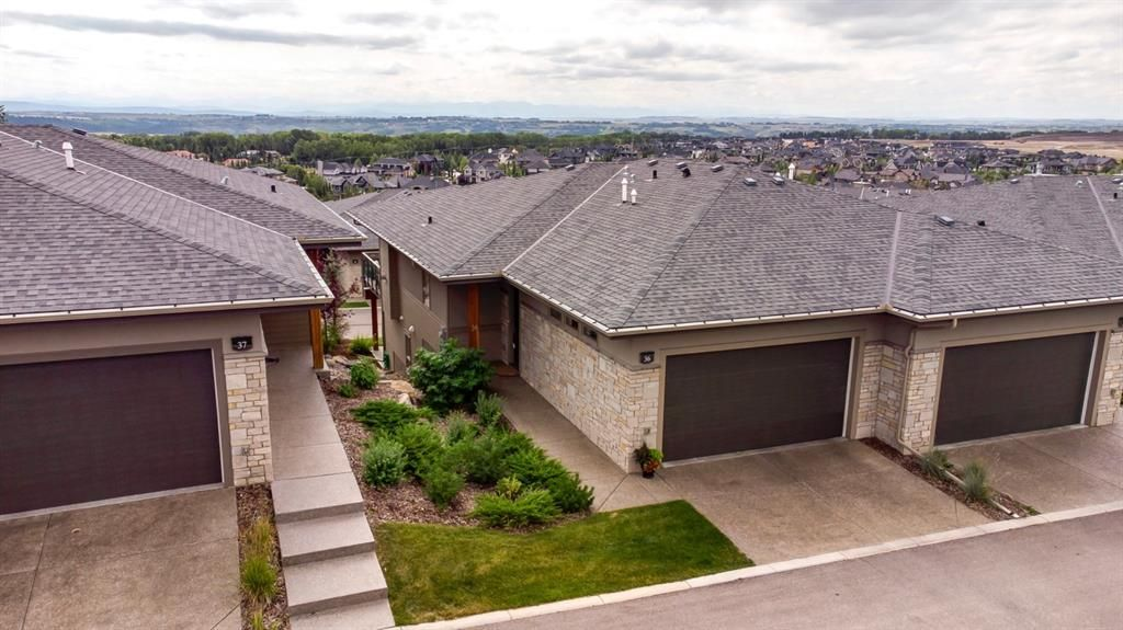 Main Photo: 36 Watermark Villas in Rural Rocky View County: Rural Rocky View MD Semi Detached for sale : MLS®# A1137994