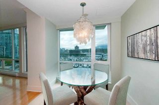 """Photo 12: 607 323 JERVIS Street in Vancouver: Coal Harbour Condo for sale in """"ESCALA"""" (Vancouver West)  : MLS®# R2593868"""