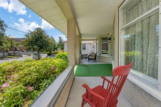 Photo 30: 934 Queens Ave in : Vi Central Park House for sale (Victoria)  : MLS®# 878239
