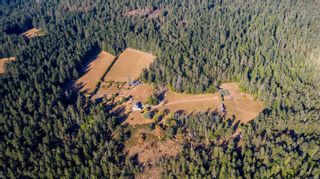 Photo 5: 230 Smith Rd in : GI Salt Spring House for sale (Gulf Islands)  : MLS®# 885042