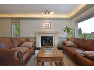 Photo 2: 4290 Nautilus Close in Vancouver: Point Grey House for sale (Vancouver West)  : MLS®# V958664
