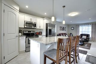 Photo 4: 224 CRANBERRY Park SE in Calgary: Cranston Row/Townhouse for sale : MLS®# C4299490