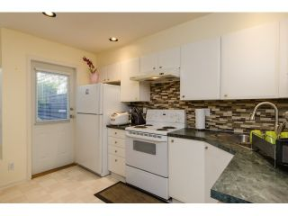 """Photo 6: 6711 PRENTER Street in Burnaby: Highgate Townhouse for sale in """"ROCK HILL"""" (Burnaby South)  : MLS®# R2010743"""