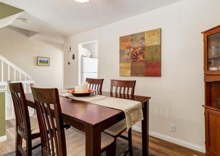 Photo 10: 19 Coachway Green SW in Calgary: Coach Hill Row/Townhouse for sale : MLS®# A1118919