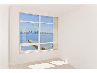 """Photo 4: 1104 162 VICTORY SHIP Way in North Vancouver: Lower Lonsdale Condo for sale in """"ATRIUM AT THE PIER"""" : MLS®# V876116"""