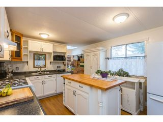 """Photo 7: 280 1840 160 Street in Surrey: King George Corridor Manufactured Home for sale in """"BREAKAWAY BAYS"""" (South Surrey White Rock)  : MLS®# R2517093"""