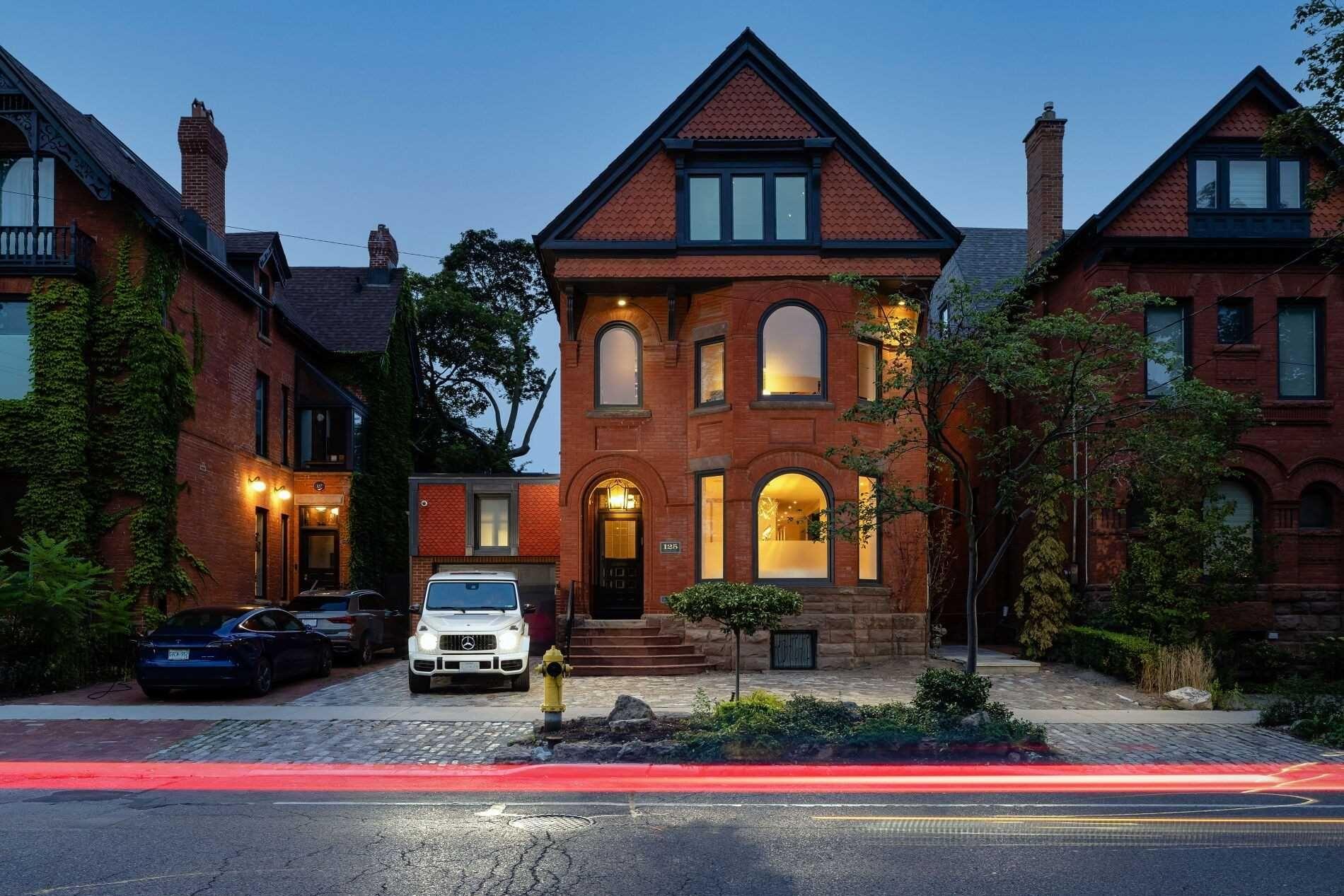 Main Photo: 125 Bedford Road in Toronto: Annex House (3-Storey) for sale (Toronto C02)  : MLS®# C5377035