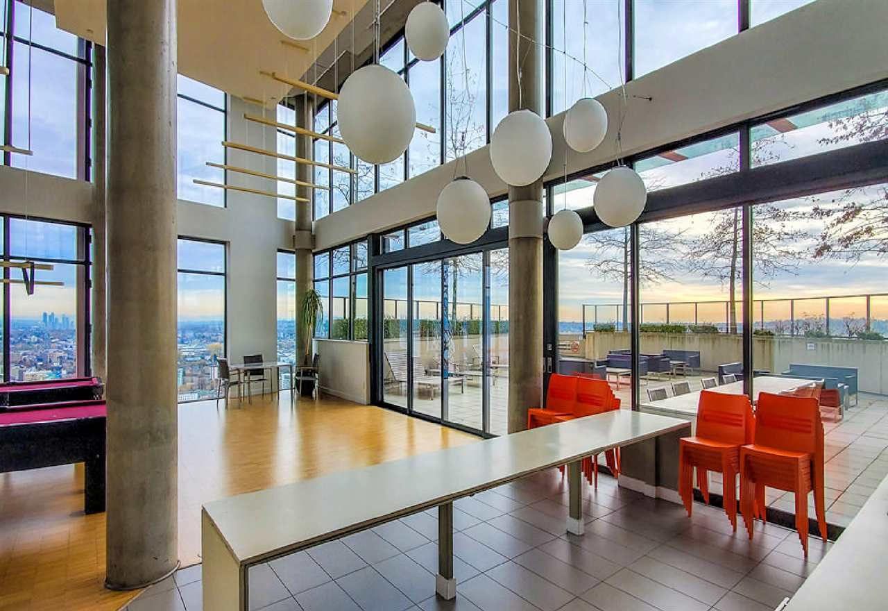 """Photo 14: Photos: 2404 108 W CORDOVA Street in Vancouver: Downtown VW Condo for sale in """"Woodwards"""" (Vancouver West)  : MLS®# R2419147"""