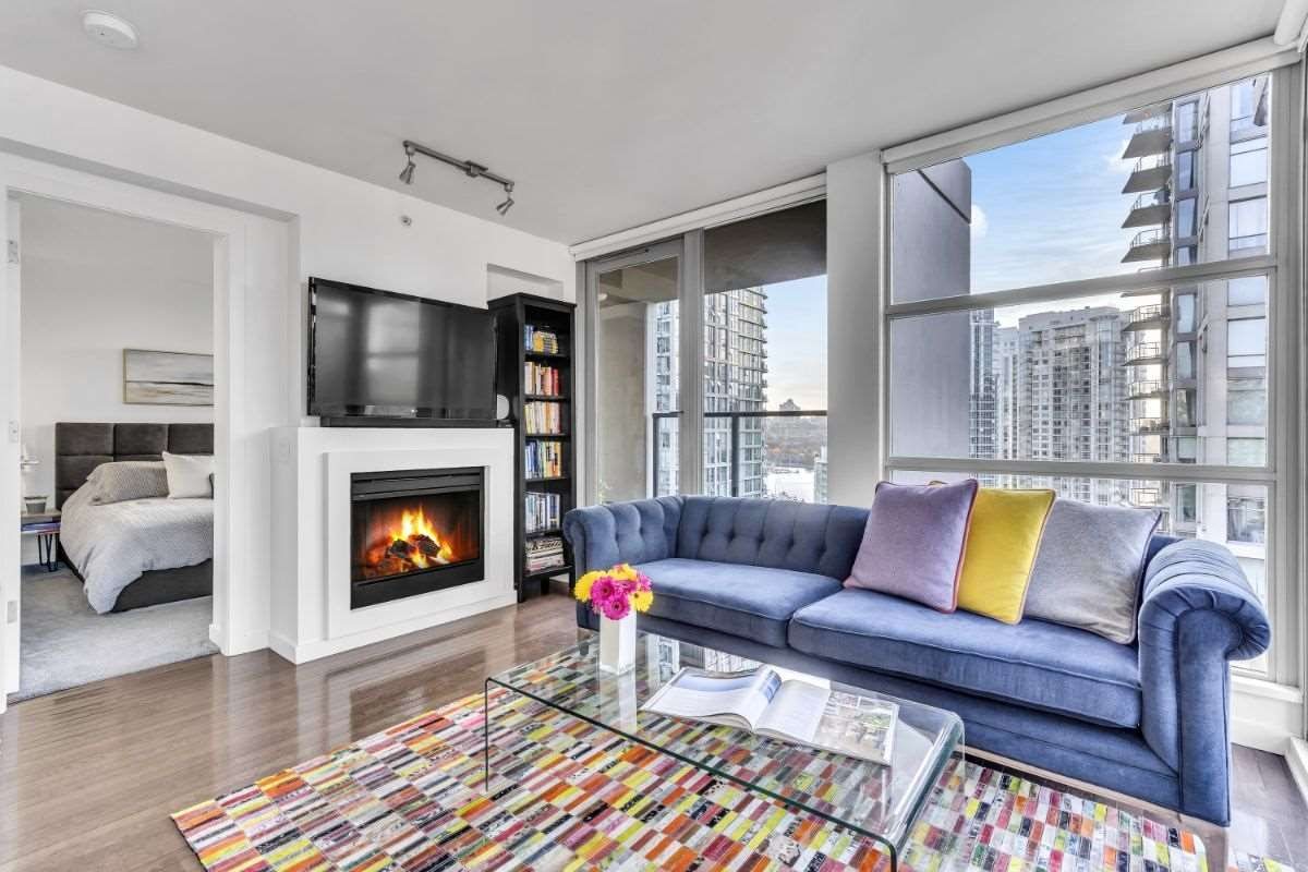 Main Photo:  in : Yaletown Condo for sale (Vancouver West)  : MLS®# R2514238