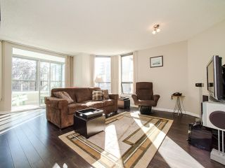 """Photo 3: 701 1265 BARCLAY Street in Vancouver: West End VW Condo for sale in """"1265 Barclay"""" (Vancouver West)  : MLS®# R2089582"""