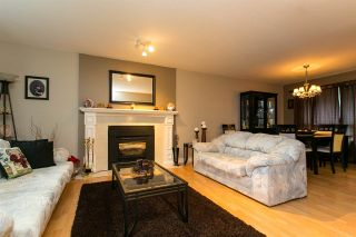 Photo 3: 15730 89A Avenue in Surrey: Fleetwood Tynehead House for sale : MLS®# R2329099
