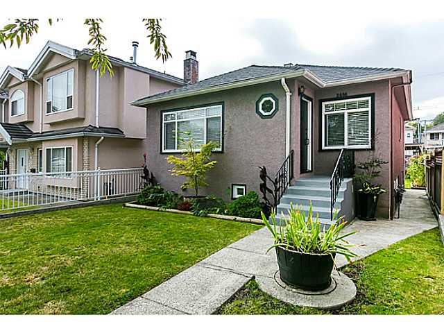 "Main Photo: 2686 VENABLES Street in Vancouver: Renfrew VE House for sale in ""RENFREW"" (Vancouver East)  : MLS®# V1083995"