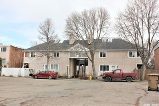Photo 2: 5 - B Neill Place in Regina: Douglas Place Residential for sale : MLS®# SK844288