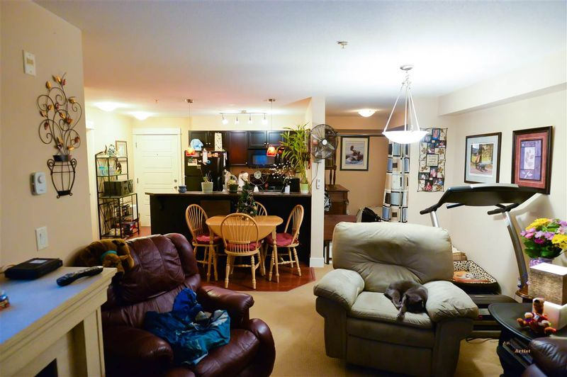 FEATURED LISTING: 111 - 30515 CARDINAL Avenue Abbotsford